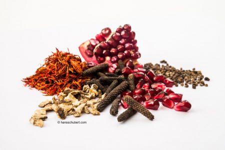 Se Bru 5 ist eine pflanzliche Mischung aus der Tibetischen Medizin zur Unterstützung des Verdauungsfeuers.